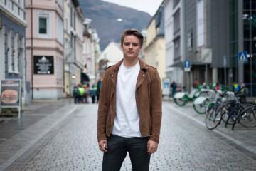 Ble slått ned på gaten etter han hadde sex på TV