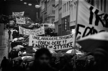 Demonstrerte mot månedlig utbetaling av stipend
