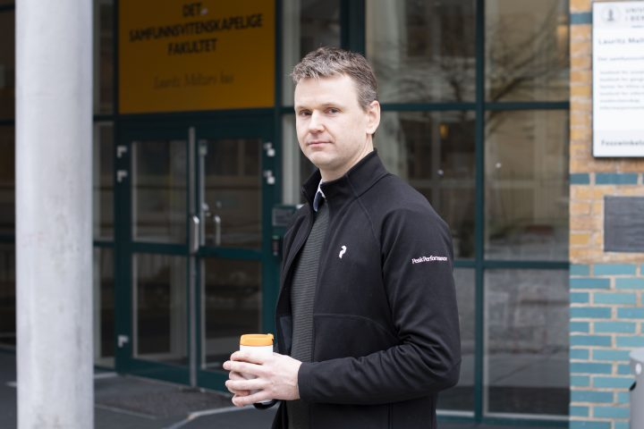 Småbarnspappa Thomas Hegland (43) langer ut mot seminarene