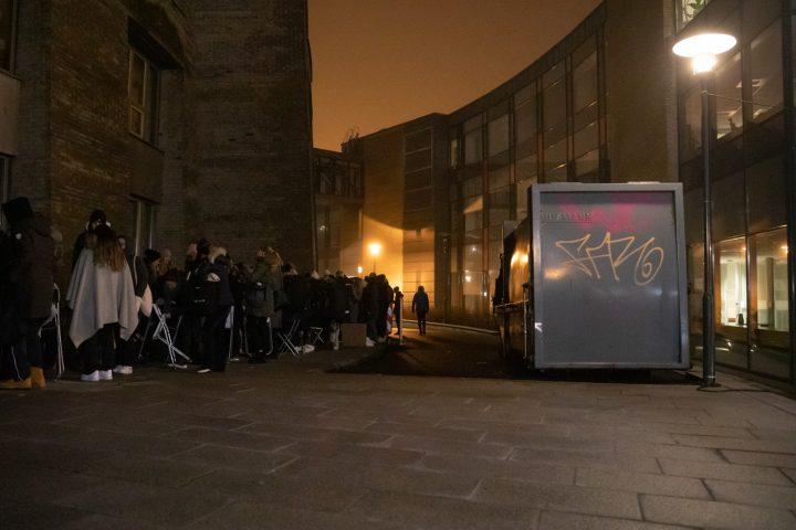 Klokken 03:00 gikk køen rundt Det juridiske fakultetet