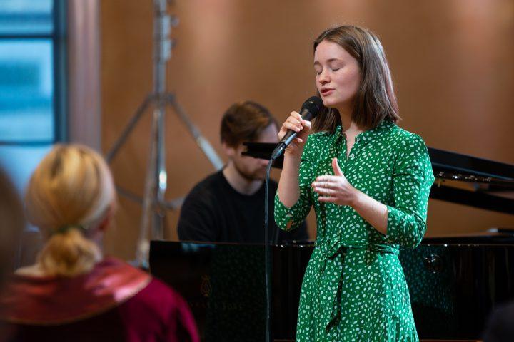 Sigrid sang studieåret inn