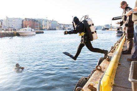 På jakt etter søppel på havbunnen: - Det hadde tatt flere dager å rydde opp alt